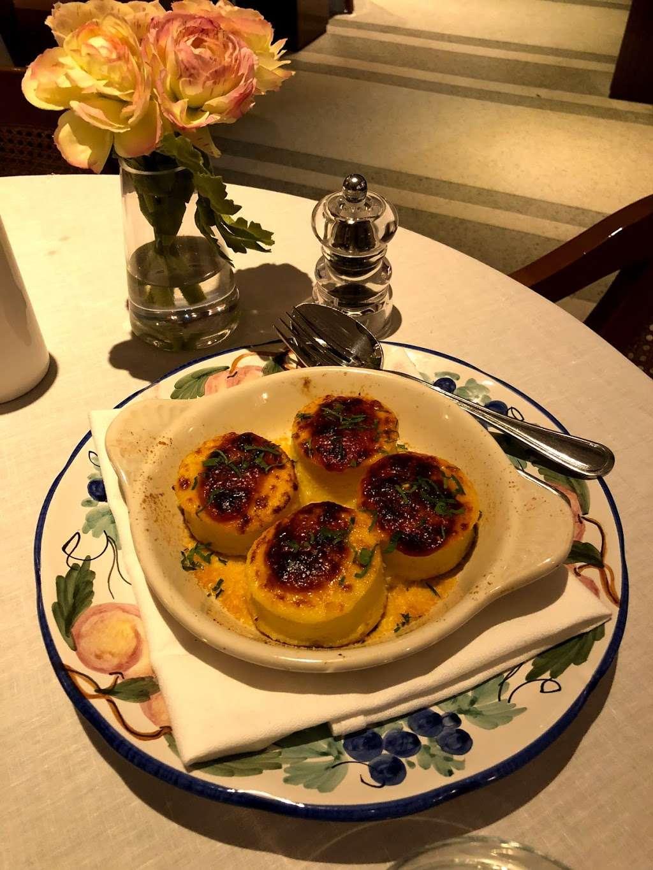 Bellini - restaurant  | Photo 5 of 10 | Address: 33 Peck Slip, New York, NY 10038, USA | Phone: (929) 263-0413