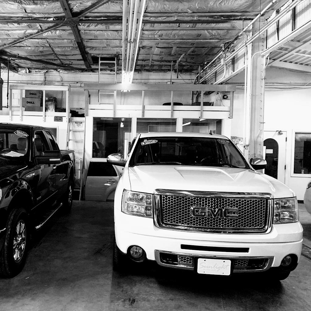 Sunlight Auto LLC - car dealer  | Photo 6 of 9 | Address: 16120 S Waterloo Rd, Cleveland, OH 44110, USA | Phone: (216) 795-5950