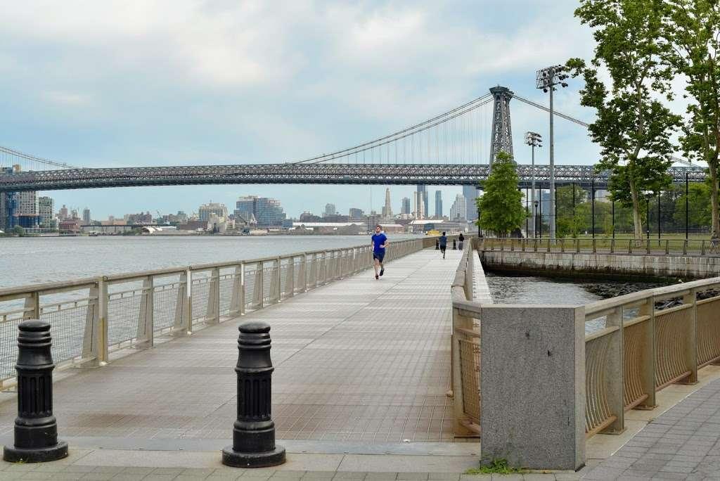 John V. Lindsay East River Park - park  | Photo 7 of 10 | Address: FDR Dr., New York, NY 10009, USA