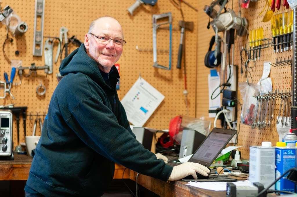 KP Motorworks - car repair    Photo 3 of 10   Address: 220 Classic Ct, Rohnert Park, CA 94928, USA   Phone: (707) 586-9984