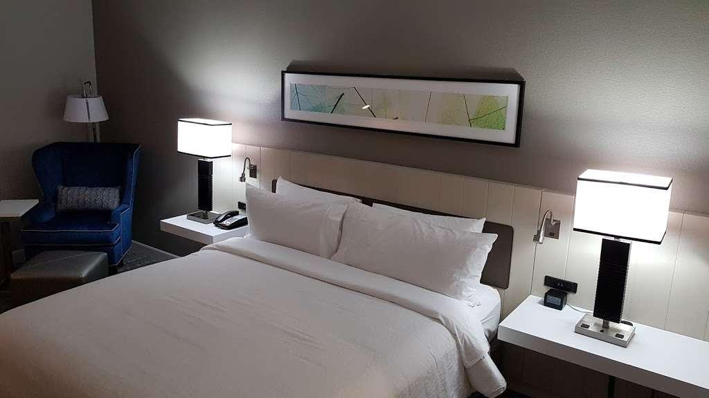 Hilton Garden Inn Houston-Baytown - lodging  | Photo 9 of 10 | Address: 4910 E Chase St, Baytown, TX 77521, USA | Phone: (281) 838-8208