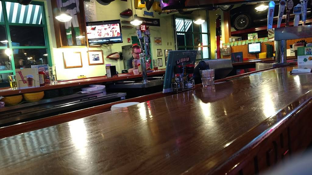 Quaker Steak & Lube - restaurant  | Photo 1 of 4 | Address: 590 Chamber Dr, Milford, OH 45150, USA | Phone: (513) 831-5823