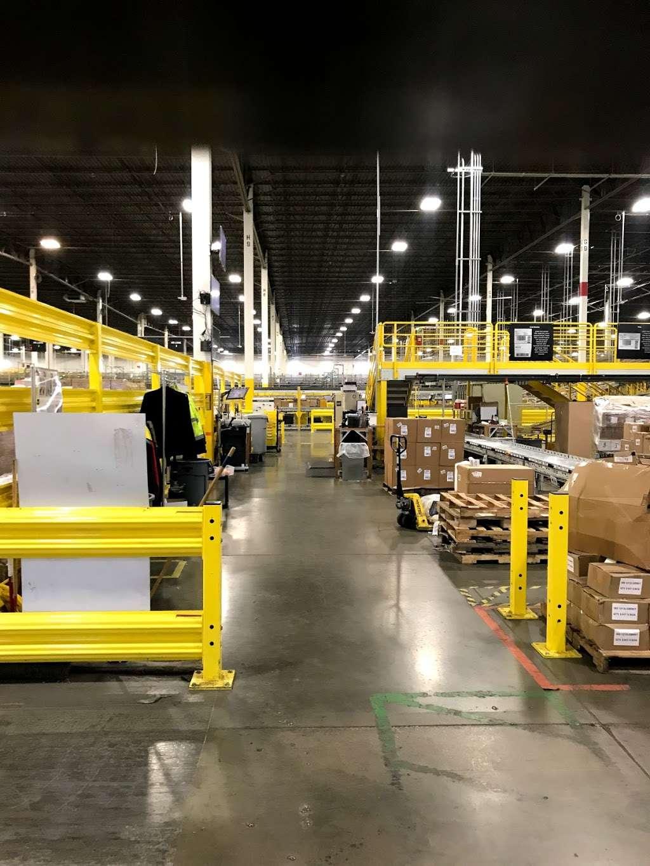 Amazon Cross-Dock Facility - MDW2 - storage    Photo 7 of 10   Address: 250 Emerald Dr, Joliet, IL 60433, USA   Phone: (866) 495-8567