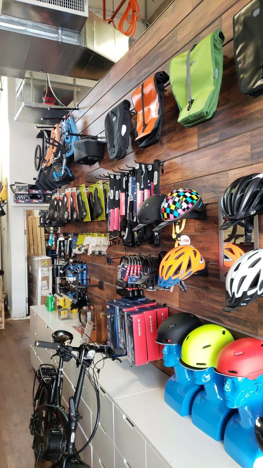 Propel Electric Bikes - bicycle store  | Photo 6 of 10 | Address: 134 Flushing Ave, Brooklyn, NY 11205, USA | Phone: (718) 643-4542