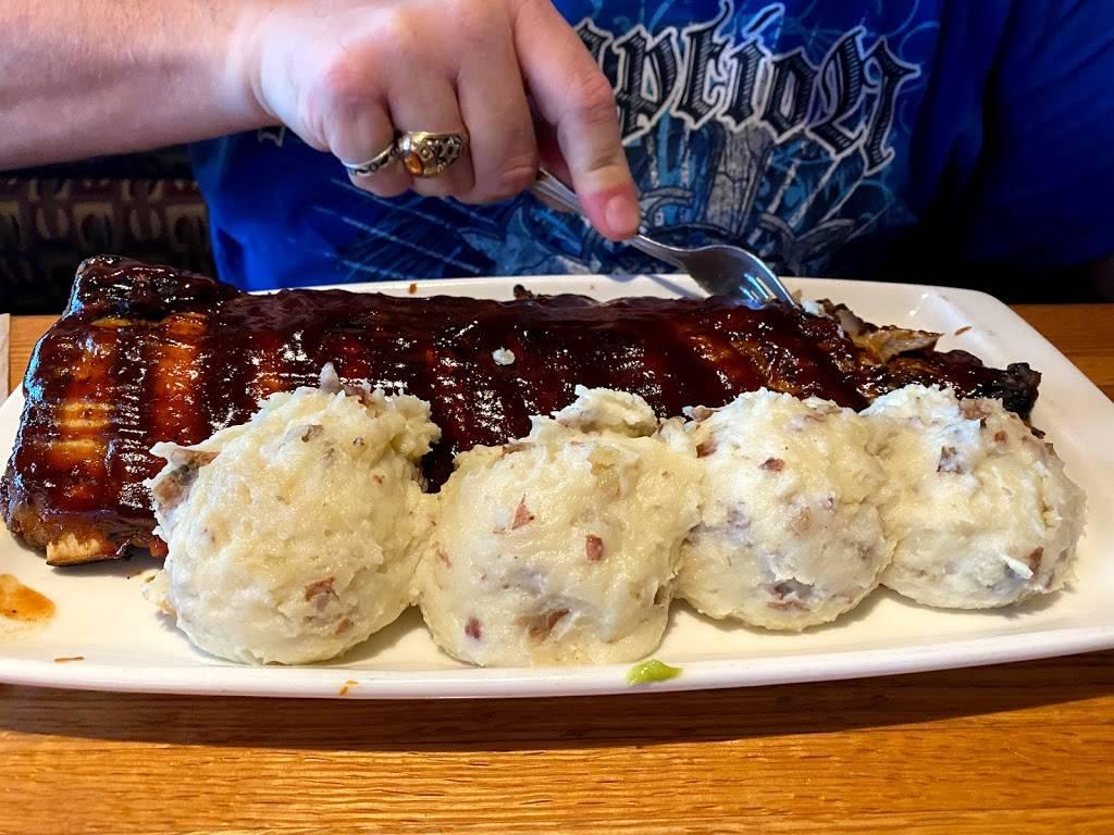 Applebees Grill + Bar - restaurant  | Photo 7 of 10 | Address: 4405 Milestrip Rd, Blasdell, NY 14219, USA | Phone: (716) 824-5550