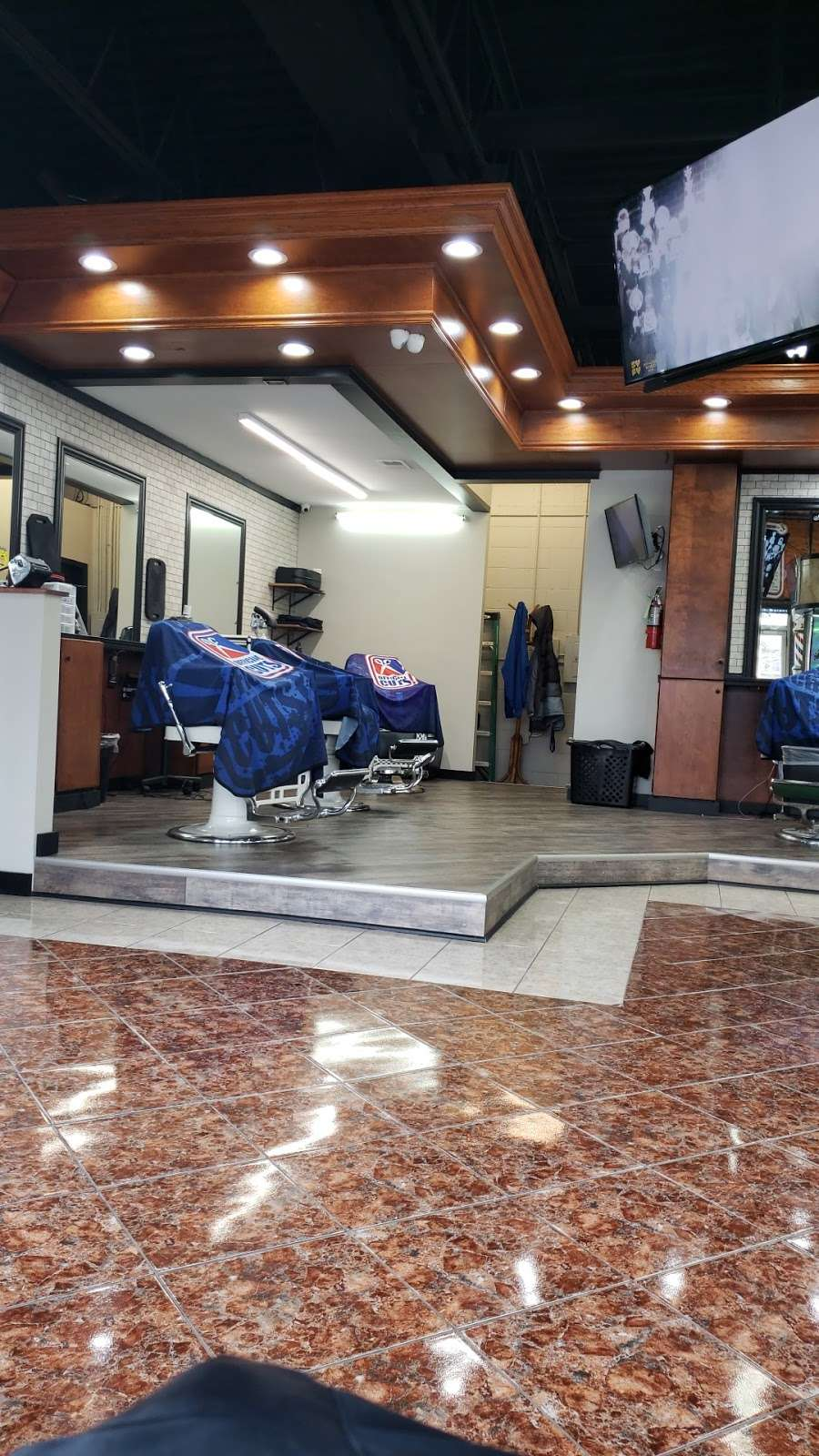 Official Cuts - hair care  | Photo 1 of 9 | Address: a, 2805, 10500, SW Hwy, Chicago Ridge, IL 60415, USA | Phone: (708) 448-4848