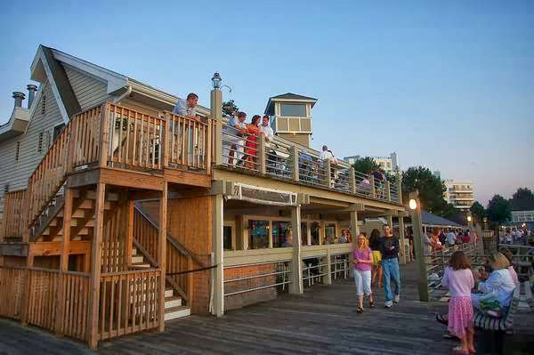 Waterclub Marina Bay - night club  | Photo 2 of 10 | Address: 319 Victory Rd, Quincy, MA 02171, USA | Phone: (617) 328-6500