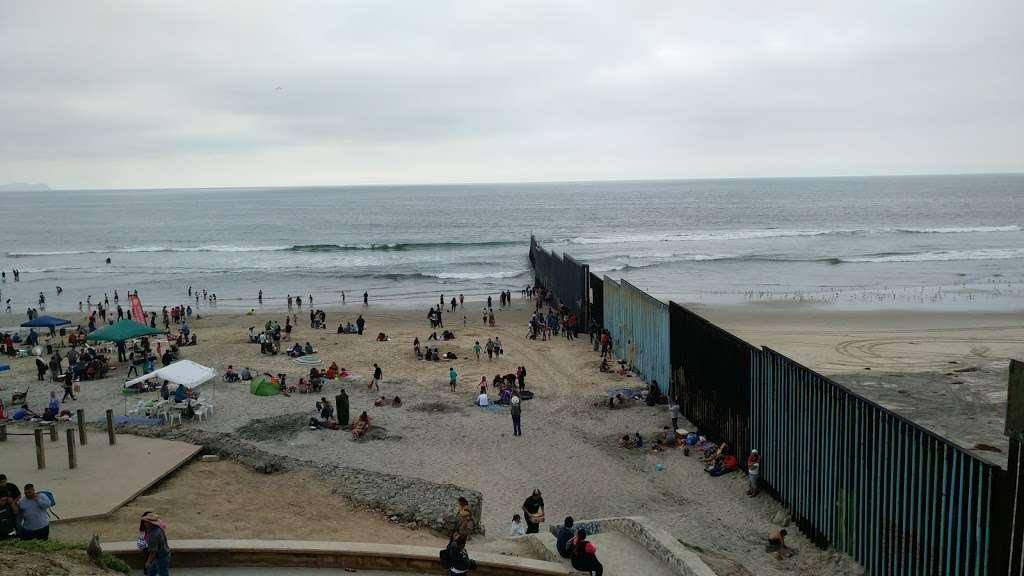 El Muro en la Playa, Tijuana - museum  | Photo 10 of 10 | Address: Faro, Monumental, Tijuana, B.C.