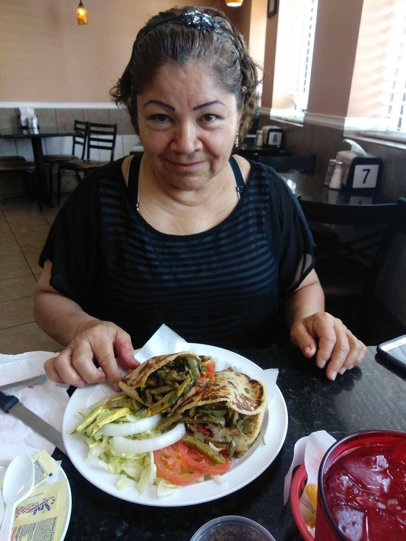 Taqueria El Torito - restaurant  | Photo 10 of 10 | Address: 1409 Central Ave, Kansas City, KS 66102, USA | Phone: (913) 233-0463
