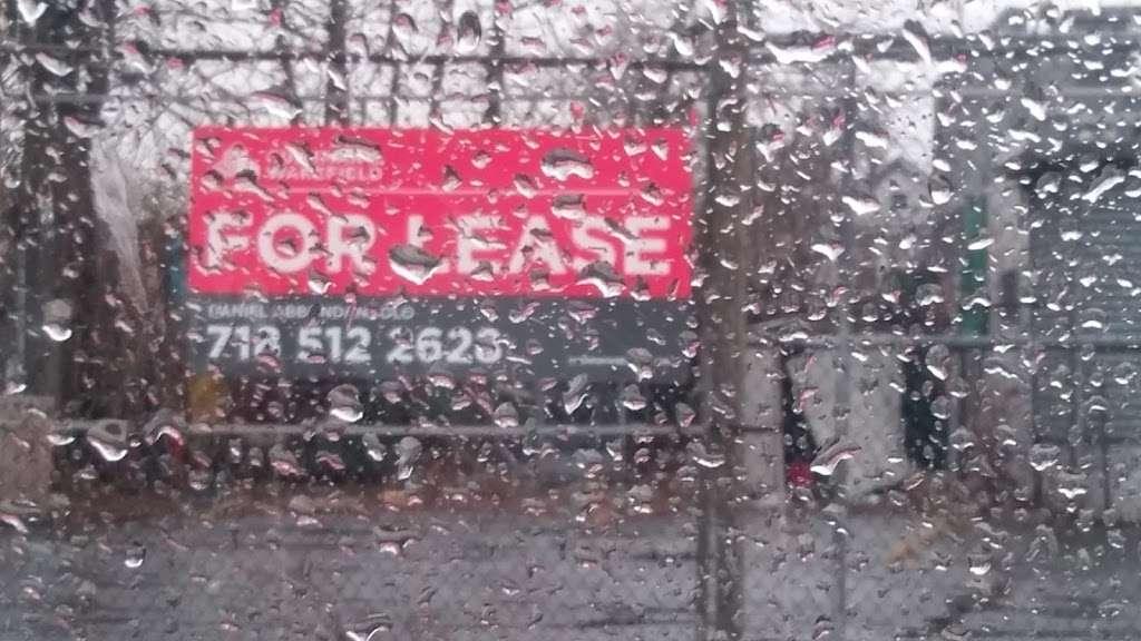 CSG REALTY CORP - real estate agency  | Photo 3 of 4 | Address: 107-01 Rockaway Blvd, Ozone Park, NY 11417, USA | Phone: (718) 704-1678