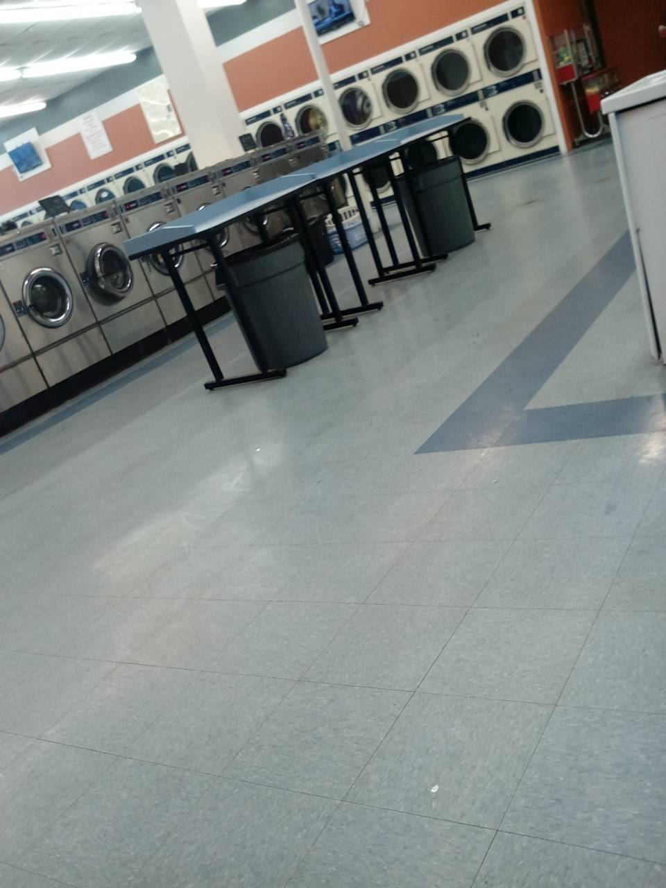 TX Laundry - laundry  | Photo 5 of 6 | Address: 2714 W Seminary Dr, Fort Worth, TX 76133, USA | Phone: (817) 920-7889