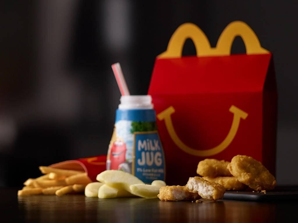 McDonalds - cafe  | Photo 1 of 8 | Address: 2751 S Signal Butte Rd, Mesa, AZ 85209, USA | Phone: (480) 380-3736