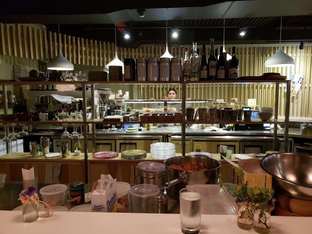 Patisserie Tomoko - bakery    Photo 9 of 10   Address: 568 Union Ave, Brooklyn, NY 11211, USA   Phone: (718) 388-7121