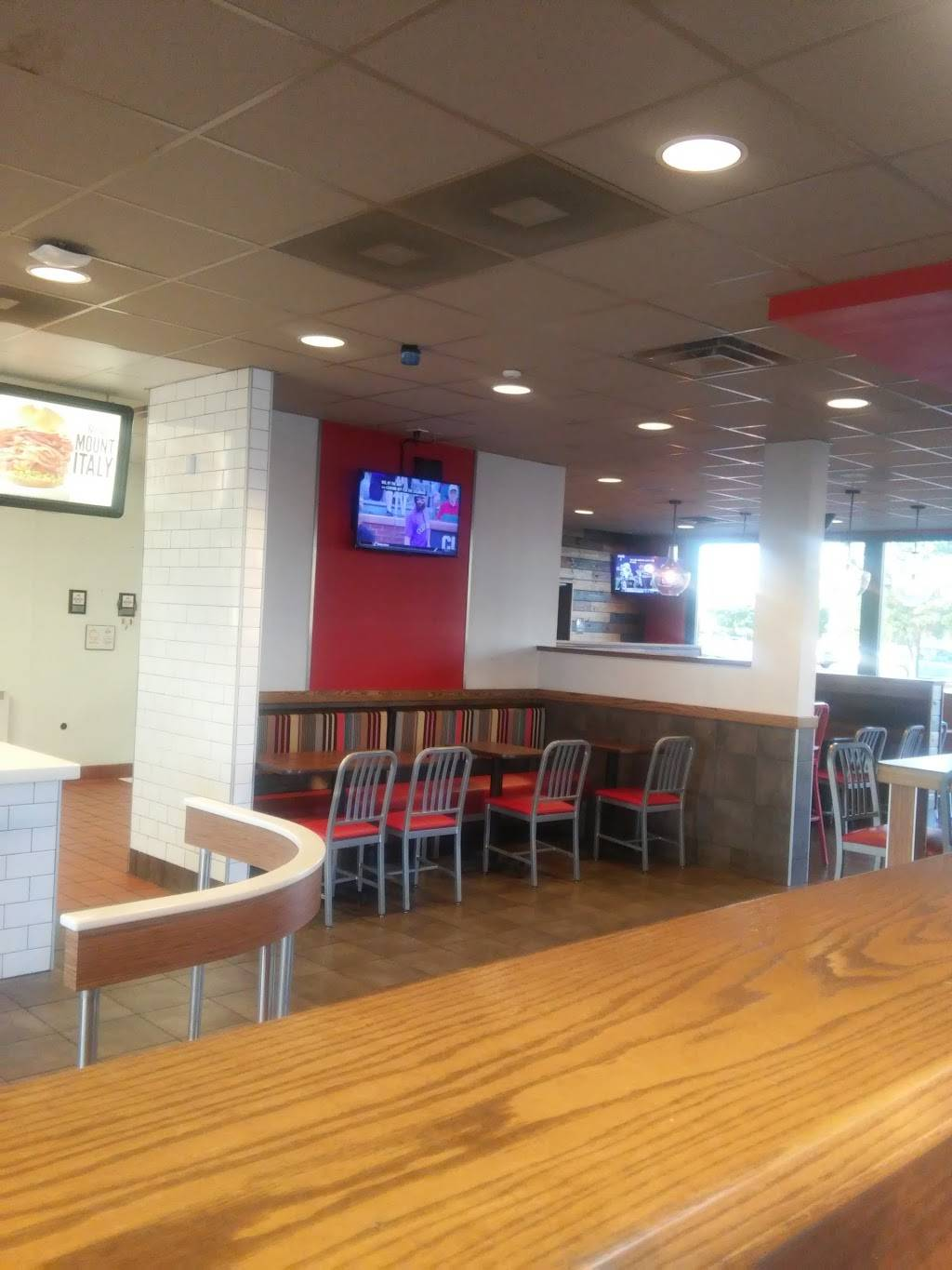 Arbys - restaurant  | Photo 7 of 9 | Address: 935 E Hwy 131, Clarksville, IN 47129, USA | Phone: (812) 288-7675