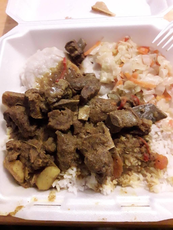 I-Land Vybz Jamaican Restaurant - restaurant  | Photo 6 of 10 | Address: 5929 Dyer St A, El Paso, TX 79904, USA | Phone: (915) 234-2754