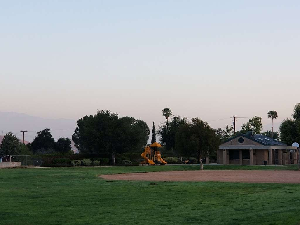 Highgrove Community Park - park  | Photo 2 of 10 | Address: 459 Center St, Riverside, CA 92507, USA | Phone: (800) 234-7275