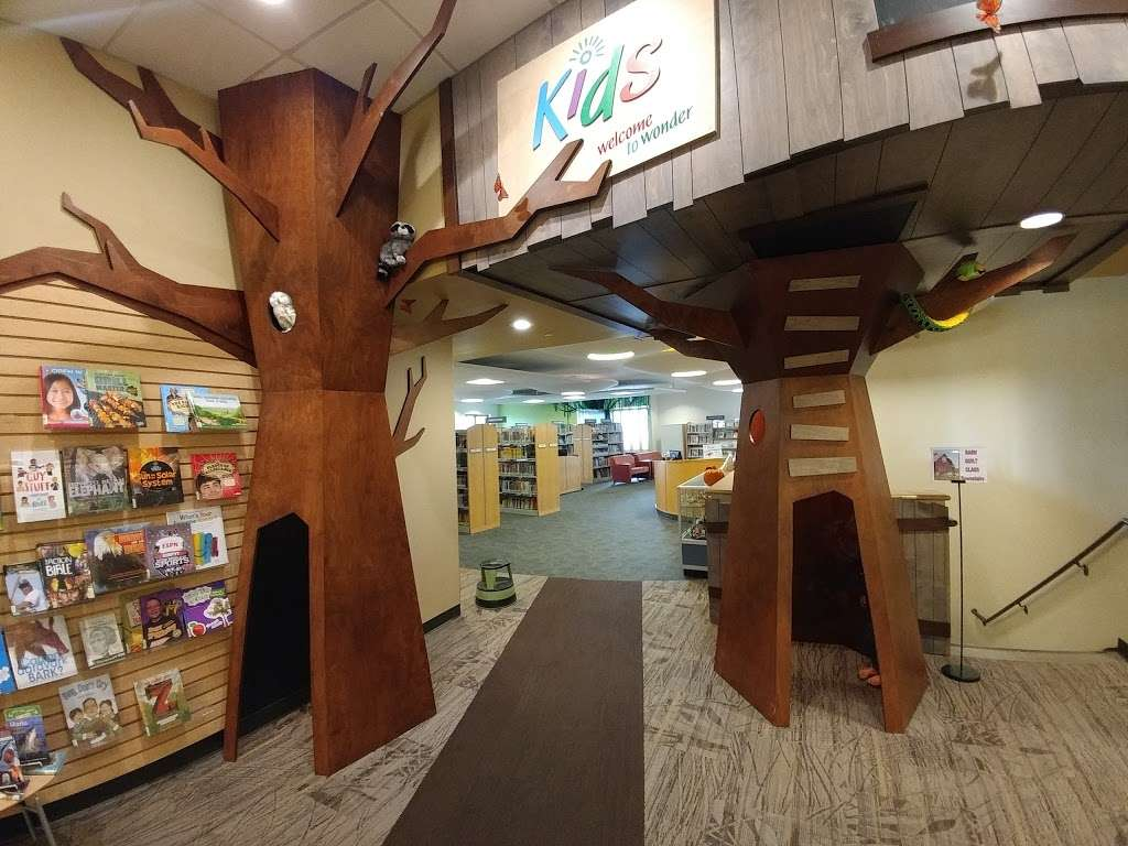 Basehor Community Library - library  | Photo 6 of 10 | Address: 1400 158th St, Basehor, KS 66007, USA | Phone: (913) 724-2828
