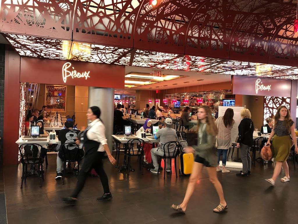 Taste of Bisoux - restaurant  | Photo 9 of 10 | Address: Terminal D Gates 3-4, Flushing, NY 11371, USA