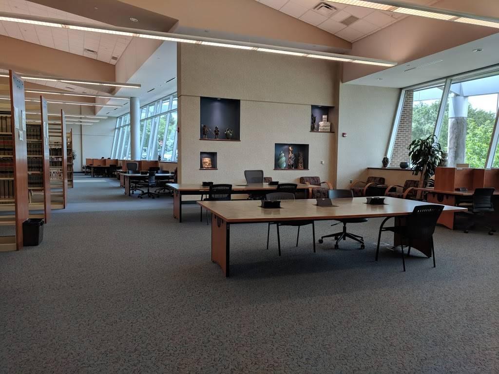 North Lake Community Library - library  | Photo 8 of 10 | Address: 5001 N MacArthur Blvd, Irving, TX 75038, USA | Phone: (972) 273-3400