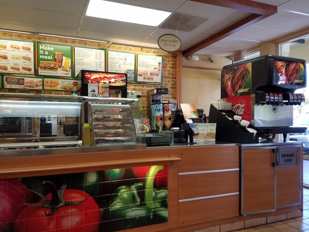 Subway - meal takeaway  | Photo 5 of 6 | Address: 2360 W 68th St #127, Hialeah, FL 33016, USA | Phone: (305) 362-9366