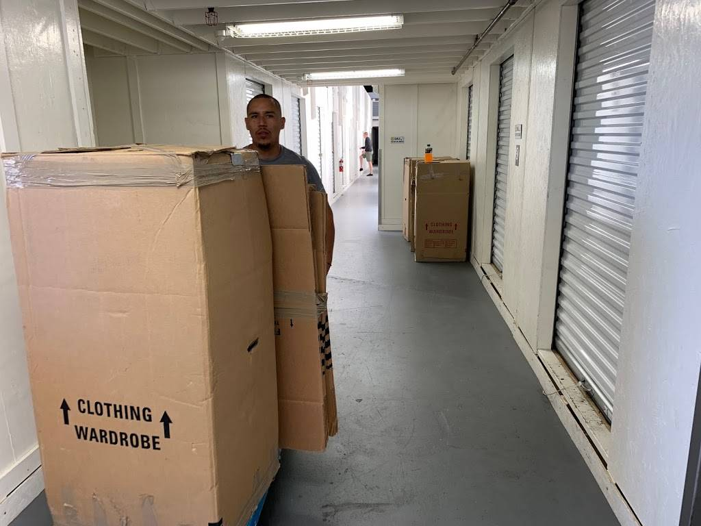 Amazing Movers | San Jose Moving & Storage Company - moving company  | Photo 2 of 10 | Address: 169 Jackson St, San Jose, CA 95112, USA | Phone: (800) 523-6090