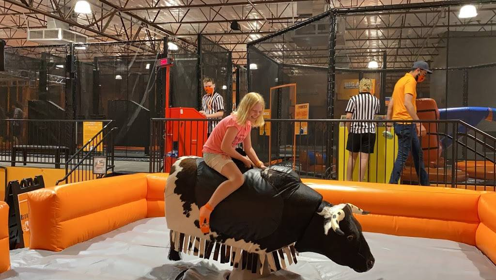 Big Air Trampoline Park - amusement park  | Photo 5 of 8 | Address: 2840 S Alma School Rd, Chandler, AZ 85286, USA | Phone: (480) 912-5454