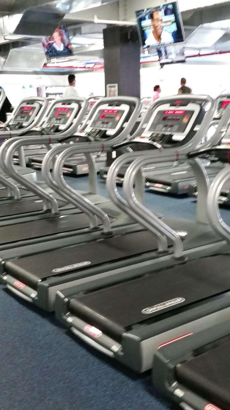 Crunch Fitness - Richmond Hill - gym  | Photo 7 of 10 | Address: 115-02 Jamaica Ave, Richmond Hill, NY 11418, USA | Phone: (646) 780-2050