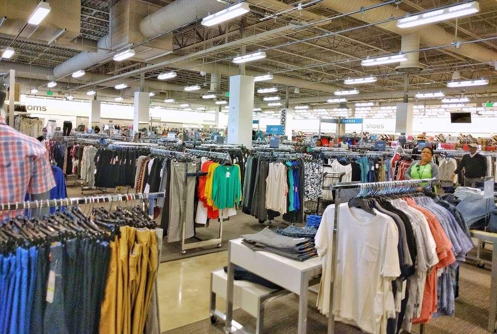 Nordstrom Rack Schererville - clothing store  | Photo 1 of 10 | Address: 185 US-41, Schererville, IN 46375, USA | Phone: (219) 227-3960