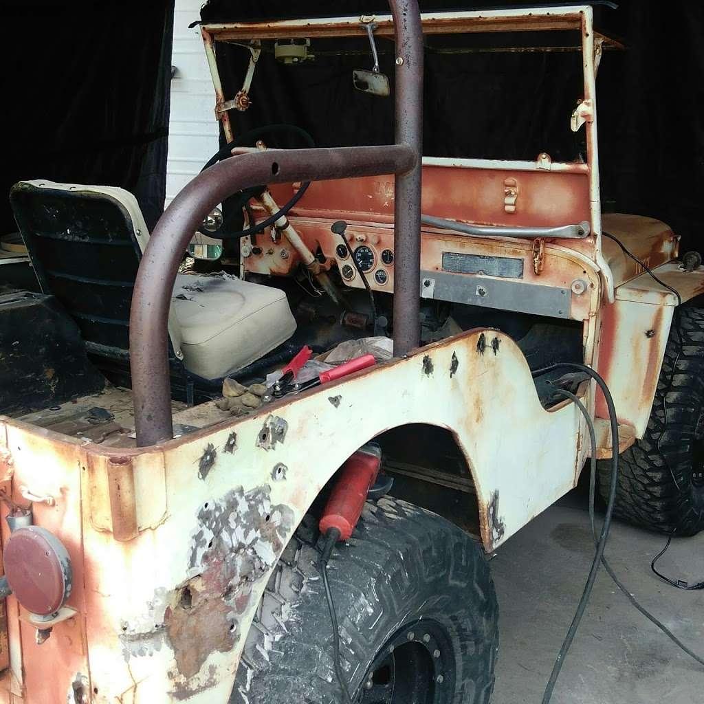 Custom Painting - car repair  | Photo 3 of 10 | Address: 21801 N 16th St, Phoenix, AZ 85024, USA | Phone: (602) 524-5150