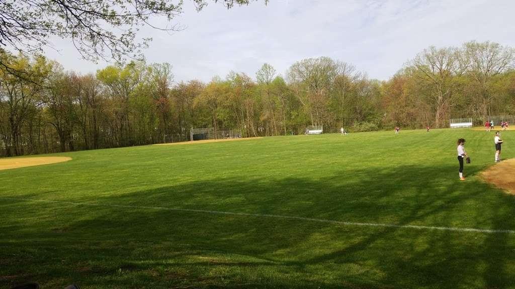 Wyckoff Community Park - park    Photo 5 of 10   Address: 475 Wyckoff Ave, Wyckoff, NJ 07481, USA   Phone: (201) 891-5571