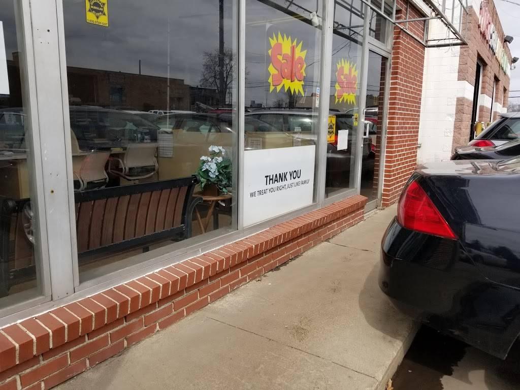 First Step Auto Finance - car dealer  | Photo 8 of 9 | Address: 3338 Dorr St, Toledo, OH 43607, USA | Phone: (419) 531-6633