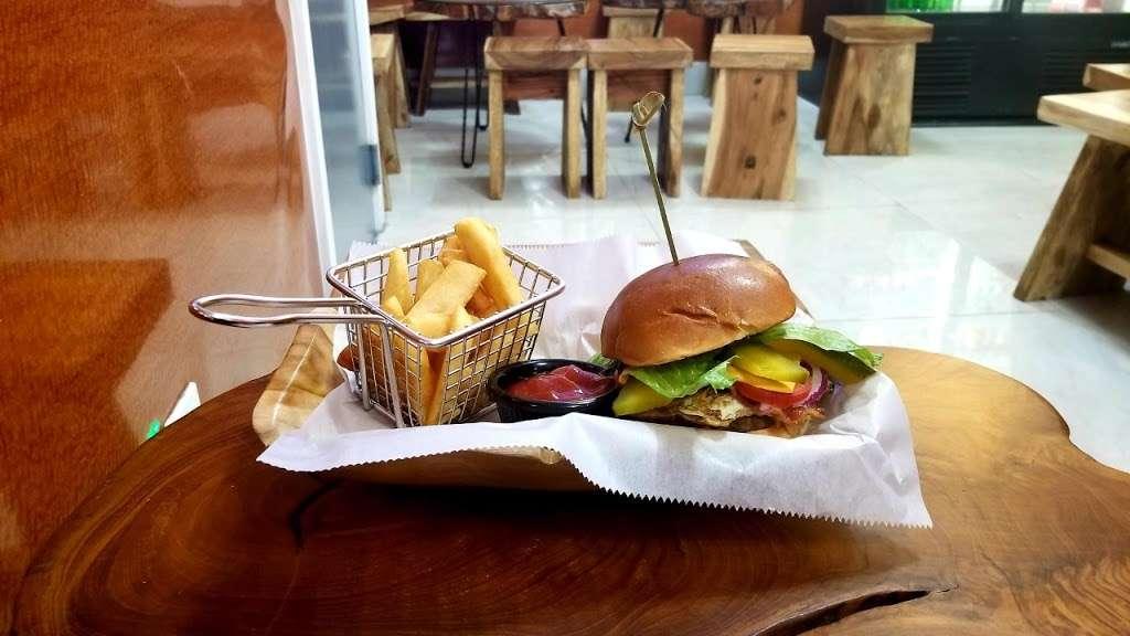 La CuCa - restaurant  | Photo 3 of 10 | Address: 102-11 43rd Avenue, Corona, NY 11368, USA | Phone: (718) 685-2015