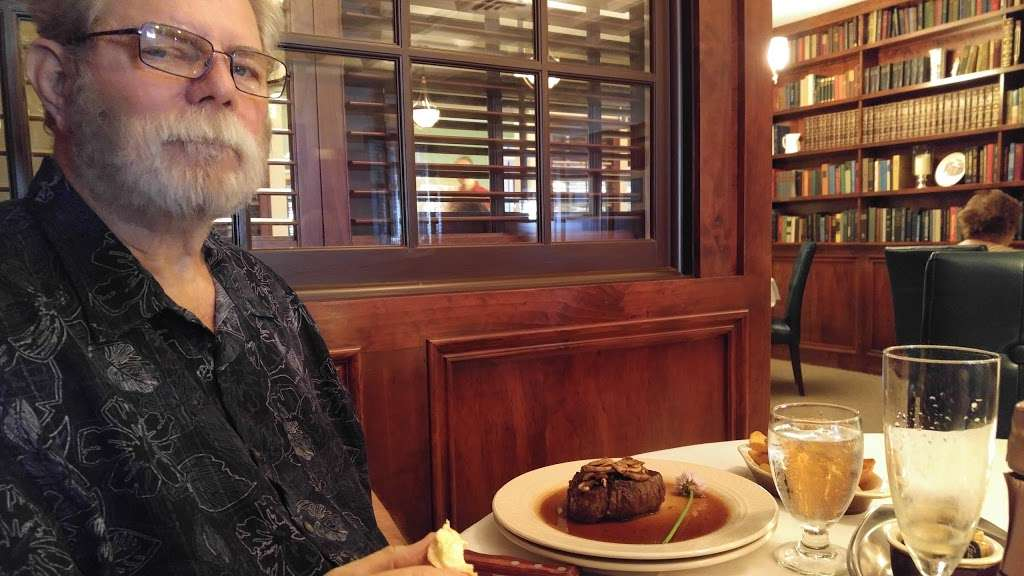 Old Colonial Inn - restaurant  | Photo 9 of 10 | Address: 216 N 3rd St, Kentland, IN 47951, USA | Phone: (219) 474-6774