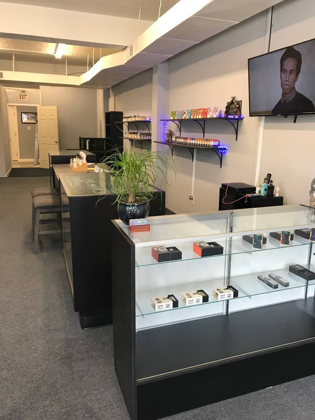 Ultra Vape - store  | Photo 2 of 4 | Address: 36081 Lakeshore Blvd, Eastlake, OH 44095, USA | Phone: (440) 525-5503