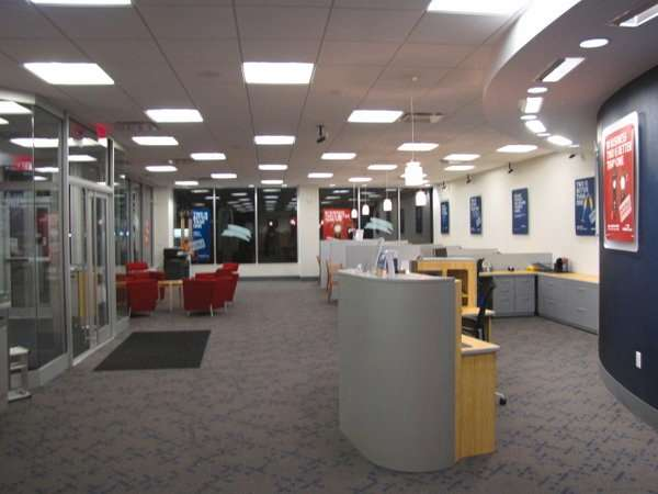 Capital One Bank - bank  | Photo 1 of 6 | Address: 386 Forest Ave, Staten Island, NY 10301, USA | Phone: (917) 423-8976
