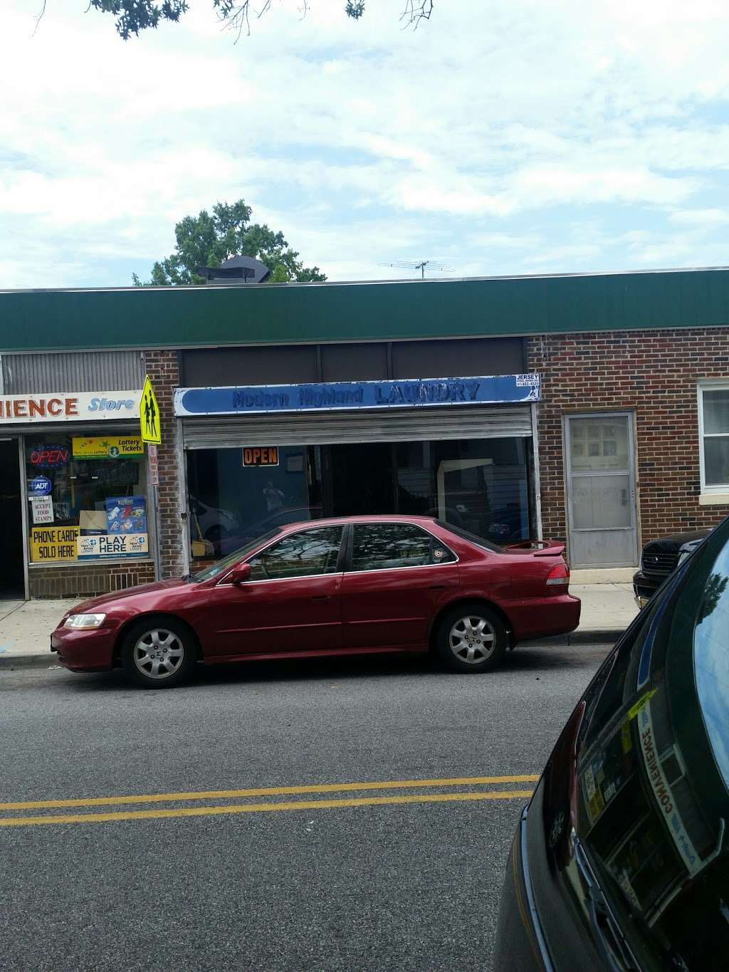 Dutch Hill CONVENIENCE Store - convenience store  | Photo 5 of 5 | Address: 394 Highland Ave, Clifton, NJ 07011, USA