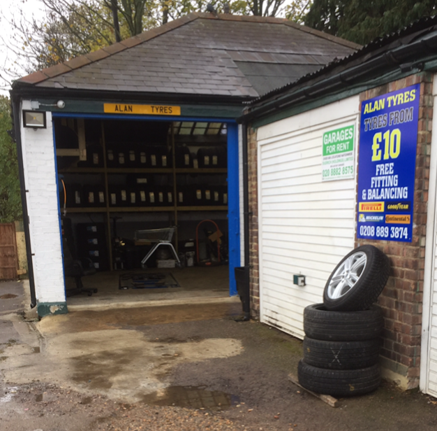 ALAN TYRES - car repair  | Photo 2 of 2 | Address: 1a, 342 N Circular Rd, Palmers Green, London N13 6BJ, UK | Phone: 020 8889 3874