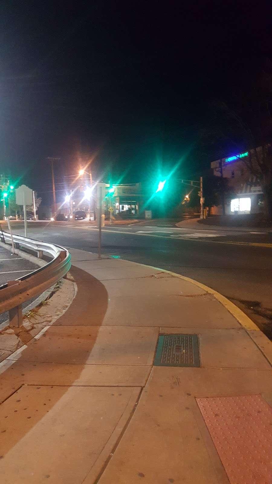 Delta Gas Station - gas station  | Photo 7 of 9 | Address: 9280 John Fitzgerald Kennedy Blvd, North Bergen, NJ 07047, USA | Phone: (201) 854-3800