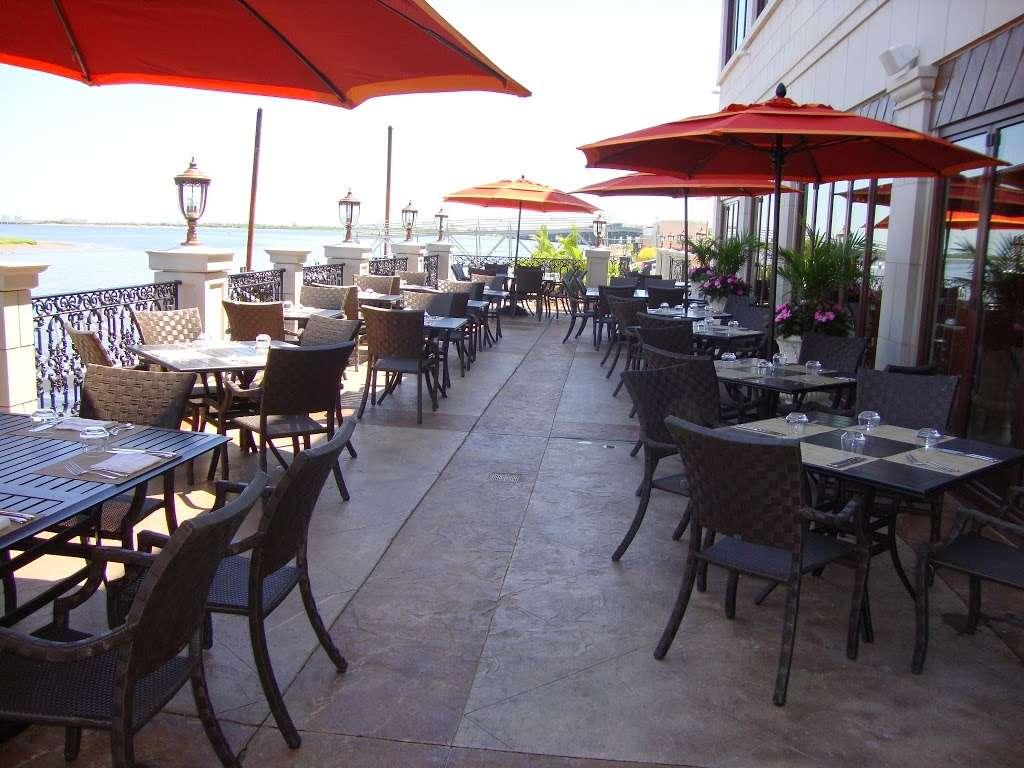 Vetro by Russos on the Bay - restaurant  | Photo 5 of 10 | Address: 164-49 Cross Bay Blvd, Howard Beach, NY 11414, USA | Phone: (718) 843-8387
