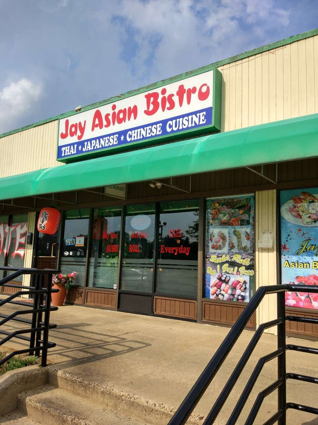 Jay Asian Bistro - meal delivery  | Photo 2 of 3 | Address: 219 Haddonfield-Berlin Rd suite t, Cherry Hill, NJ 08034, USA | Phone: (856) 428-9388
