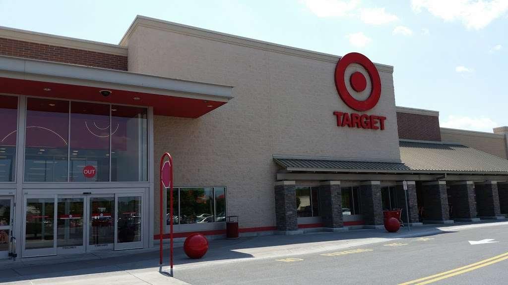 Target - department store    Photo 6 of 10   Address: 10 Crooked Run Plaza, Front Royal, VA 22630, USA   Phone: (540) 631-3290