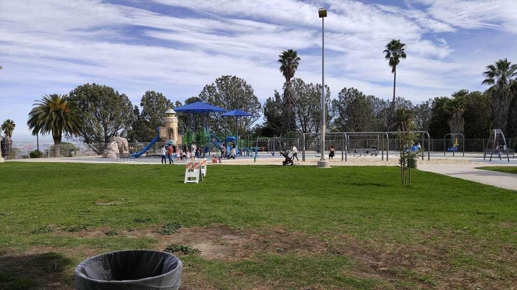 Bogdanovich Recreation Center - park  | Photo 3 of 10 | Address: 1920 Cumbre Dr, San Pedro, CA 90732, USA | Phone: (310) 548-7590