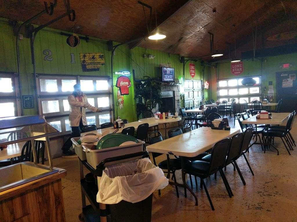 Tiki Beach Bar & Grill - restaurant  | Photo 1 of 10 | Address: 1369 State Hwy 87, Crystal Beach, TX 77650, USA | Phone: (409) 684-9594