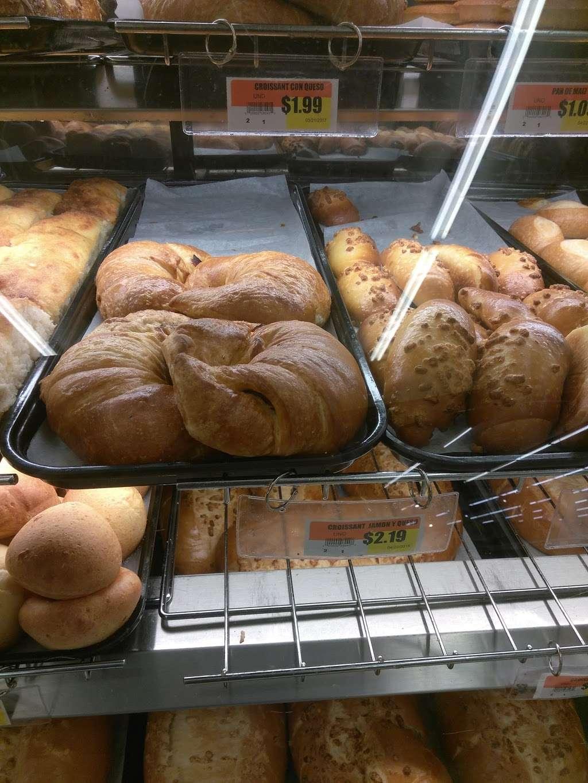 Supermercados El Bodegon - supermarket  | Photo 2 of 10 | Address: 4481 Lake Worth Rd, Lake Worth, FL 33461, USA | Phone: (561) 967-2177