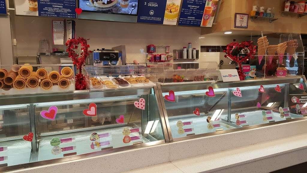 Dunkin Donuts - cafe  | Photo 4 of 10 | Address: 1375 Rockaway Pkwy, Brooklyn, NY 11236, USA | Phone: (718) 257-6490