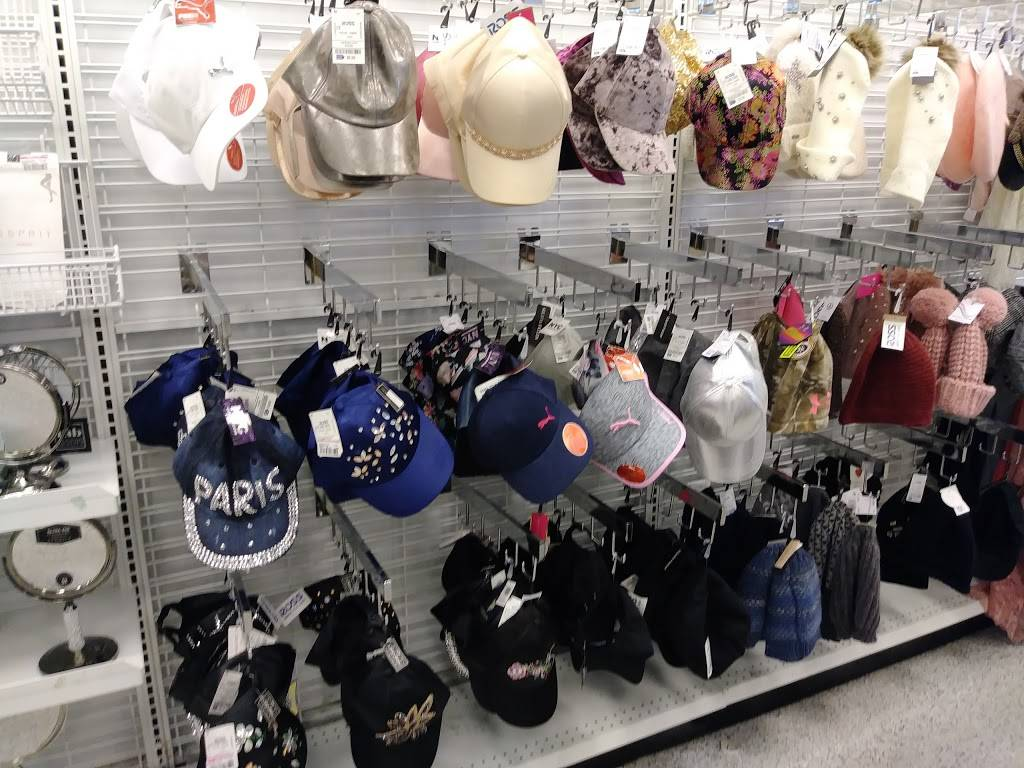 Ross Dress for Less - clothing store  | Photo 3 of 8 | Address: 2483 Naglee Rd, Tracy, CA 95304, USA | Phone: (209) 830-1182