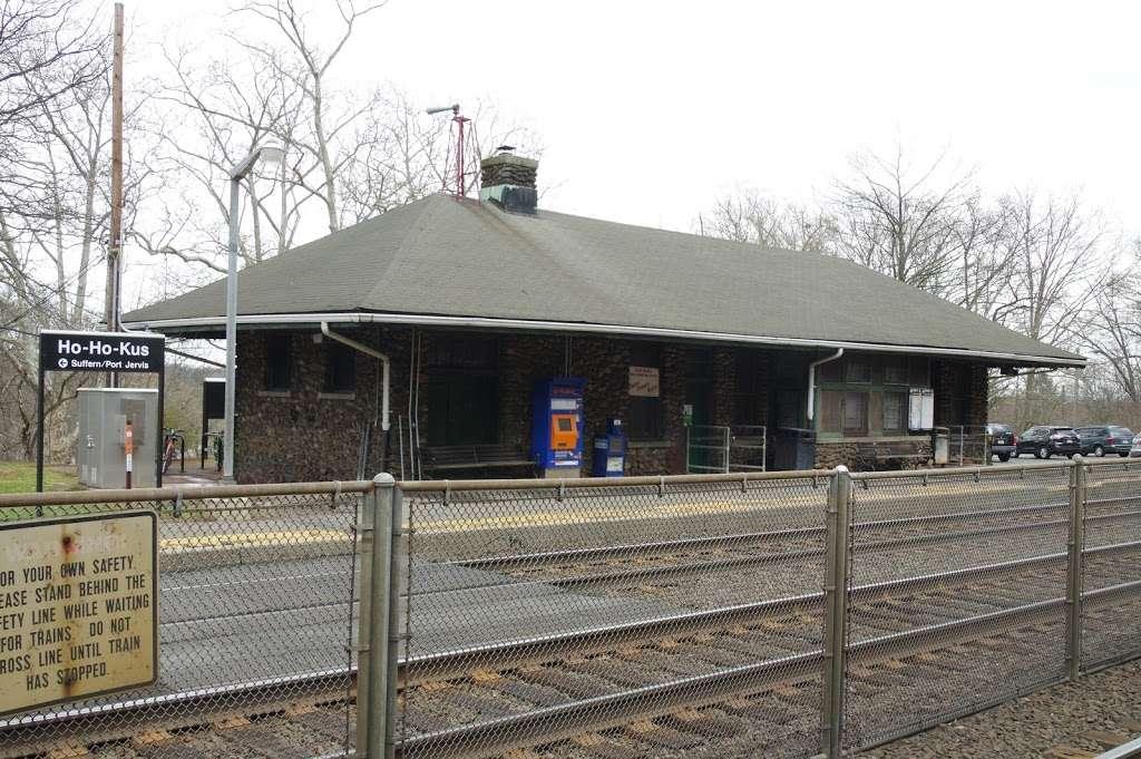 Ho-Ho-Kus Station - train station  | Photo 3 of 10 | Address: Brookside Ave & 1st St, Ho-Ho-Kus, NJ 07423, USA