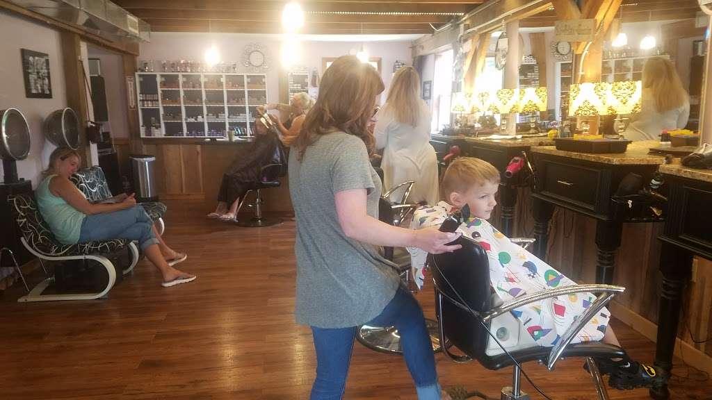 Blue Iris Day Spa & Salon - spa  | Photo 2 of 7 | Address: 879 W Pulaski Hwy, Elkton, MD 21921, USA | Phone: (410) 287-1331