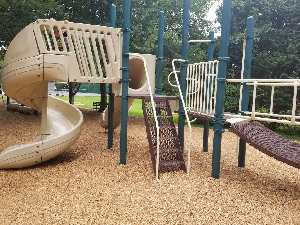 Veterans Memorial Park - park  | Photo 8 of 10 | Address: Springfield, PA 19064, USA