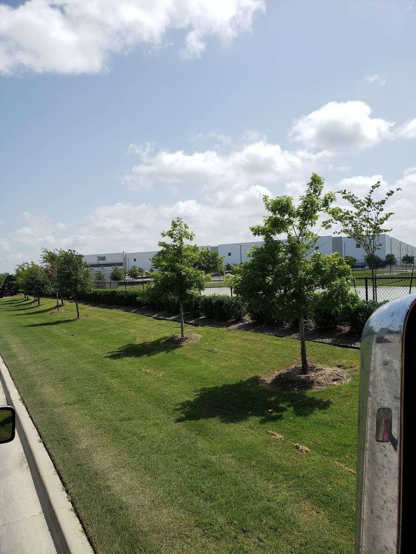 Ulta Beauty Distribution Center - storage  | Photo 5 of 6 | Address: 4786 Mountain Creek Pkwy, Dallas, TX 75236, USA | Phone: (469) 872-7000